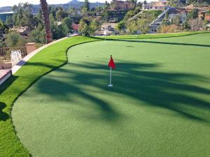 Omegaturf golf hilltop green